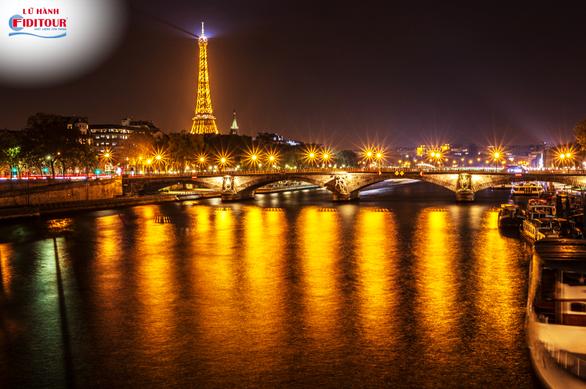 Vì sao nên đến Paris mùa thu một lần trong đời